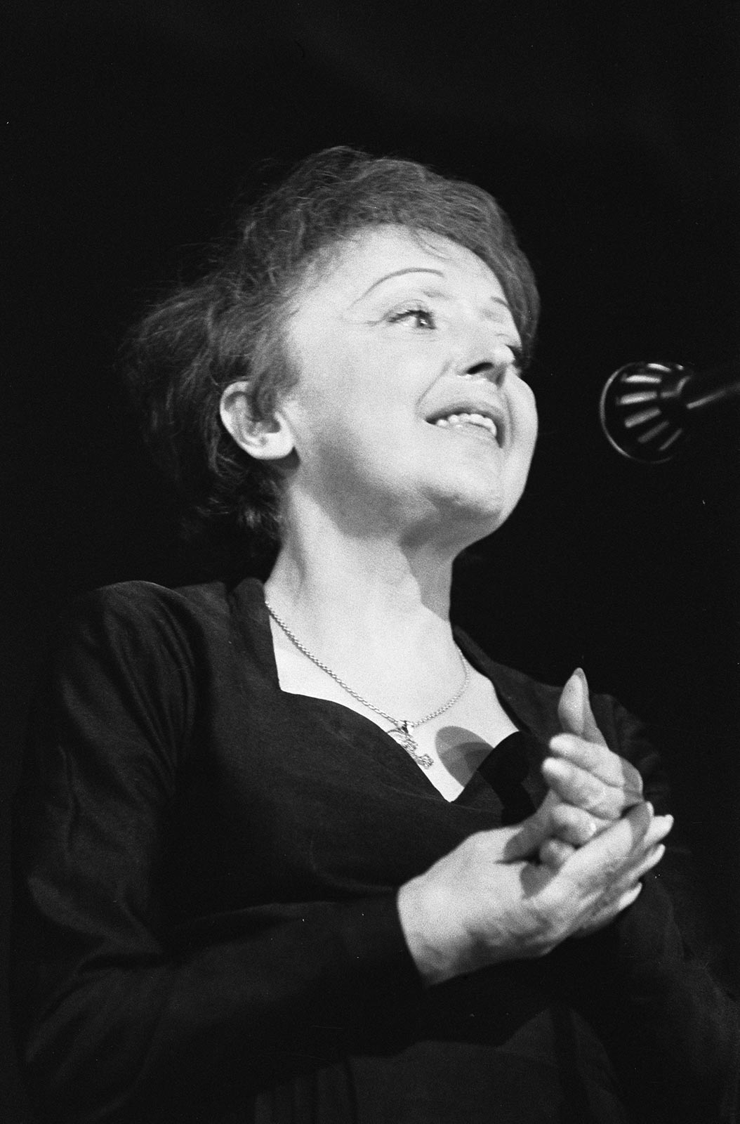Édith Piaf Singing, 1962