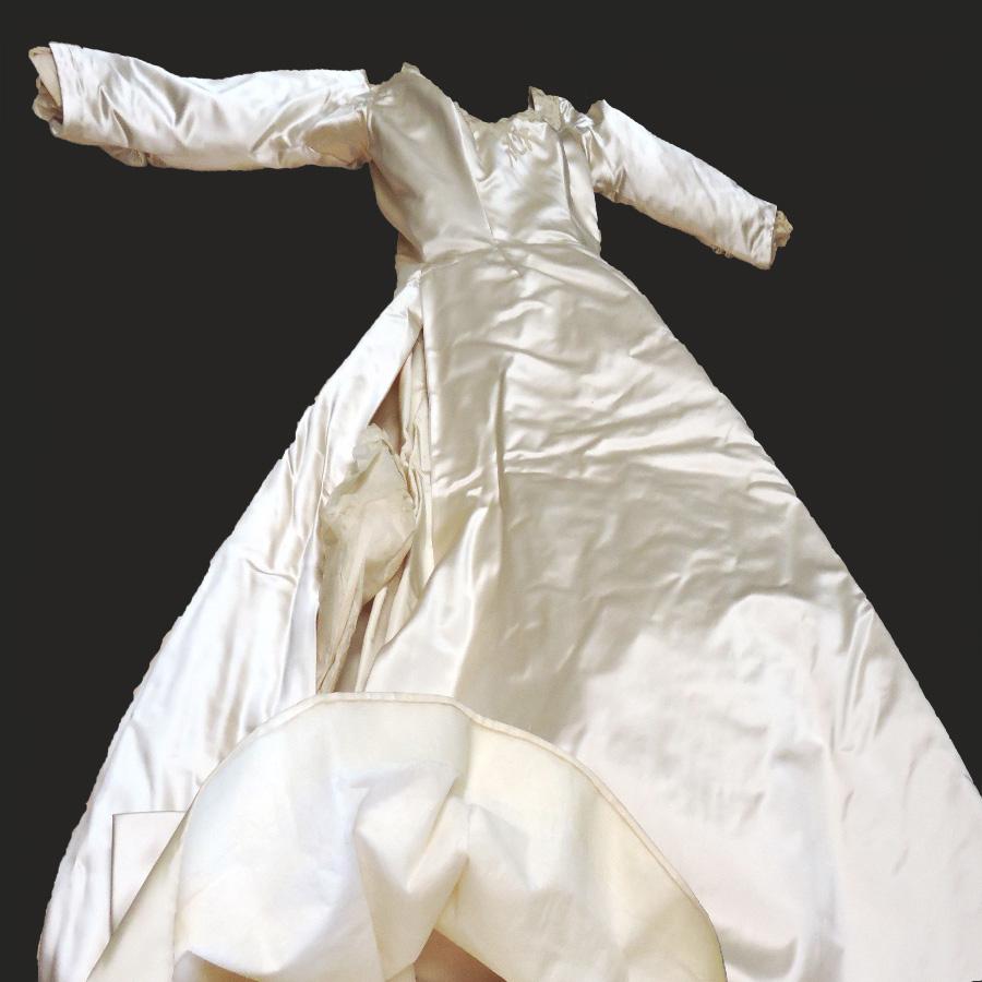 Sallie Bingham Wedding Dress