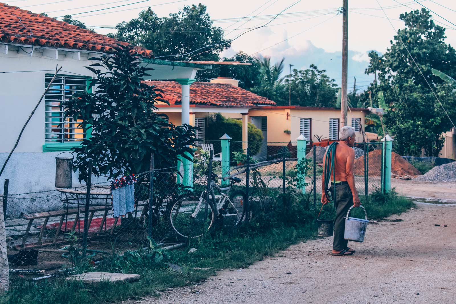 Vinales, Cuba. Photo by Augustin de Montesquiou on Unsplash